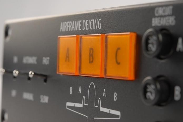 Systémy pro řízení odledňování letounu