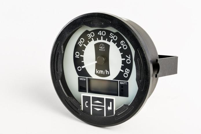 Zobrazení okamžité rychlosti vozidla a dalších provozních údajů