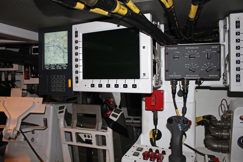 Vnitřní hovorové zařízení VICM 100 na vozidle PANDUR II